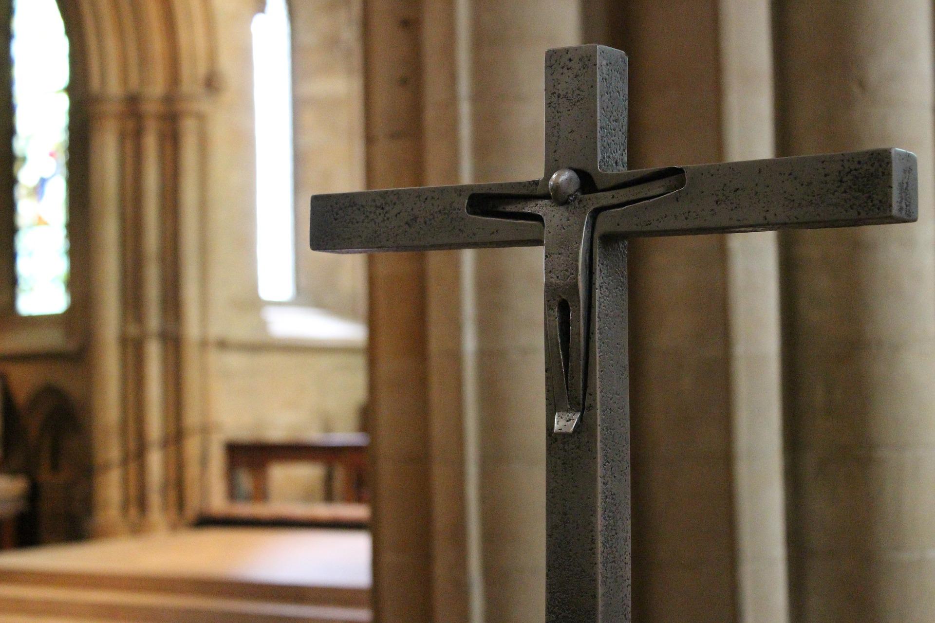 17-02-14-3-Pixabay-Kirche-Kreuz